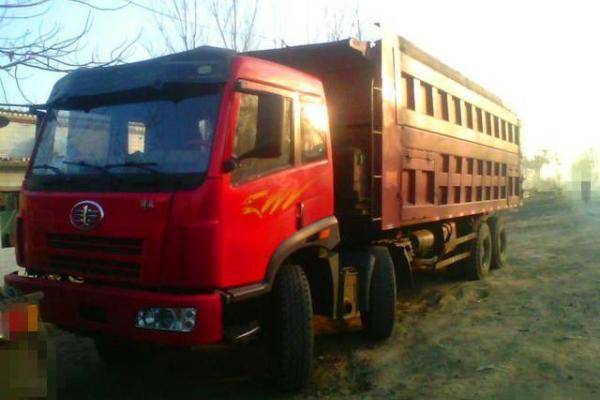 【宜春】2009年12月 09年解放奥威二手自卸车低价出售 红色 手动挡