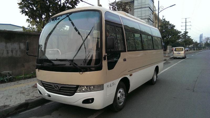 19座中巴车价格_