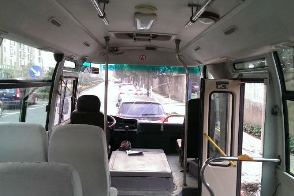 19座中巴车价格_丰田考斯特19座报价考斯特19座中巴车报价_北