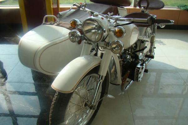 【银川】未上牌 长江750a边三轮摩托车 白色 手动挡