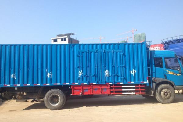 【南平】2010年12月 出售青岛解放7.6米货车 蓝色 自动档