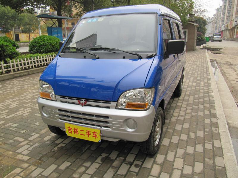 【黄石】2010年10月 五菱 五菱之光 1.0 6376n 基本型 蓝色 手动挡
