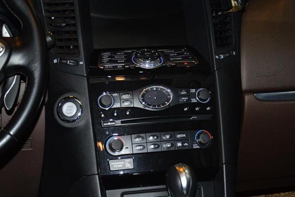 电动后备厢,多功方向盘,方向盘调节电动,方向盘换挡,定速点亮,驻车现代圣达菲epb灯巡航图片