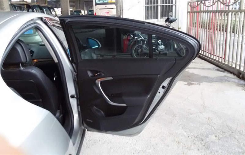 【上海】2009年5月别克君威2.4l灰色版燃油自动档比亚迪秦精英板图片