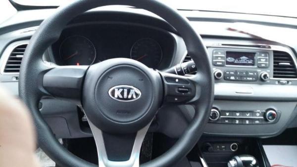 起亚k4自动挡汽车起步步骤