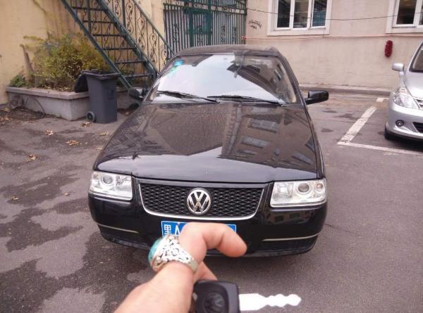 【哈尔滨】2012年9月 大众 桑塔纳 志俊 1.6 舒适版 黑色 手动挡