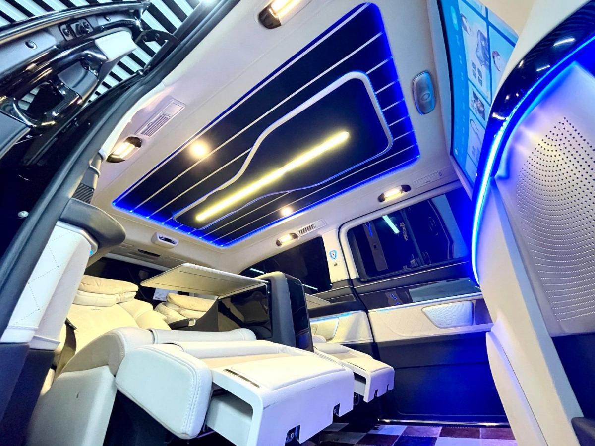 奔驰 V250 罗伦士VS600L图片