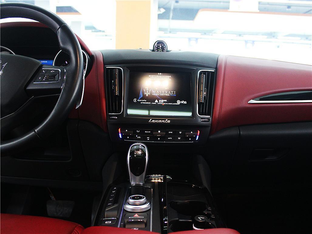 玛莎拉蒂 Levante  2018款 3.0T 350Hp 标准版图片