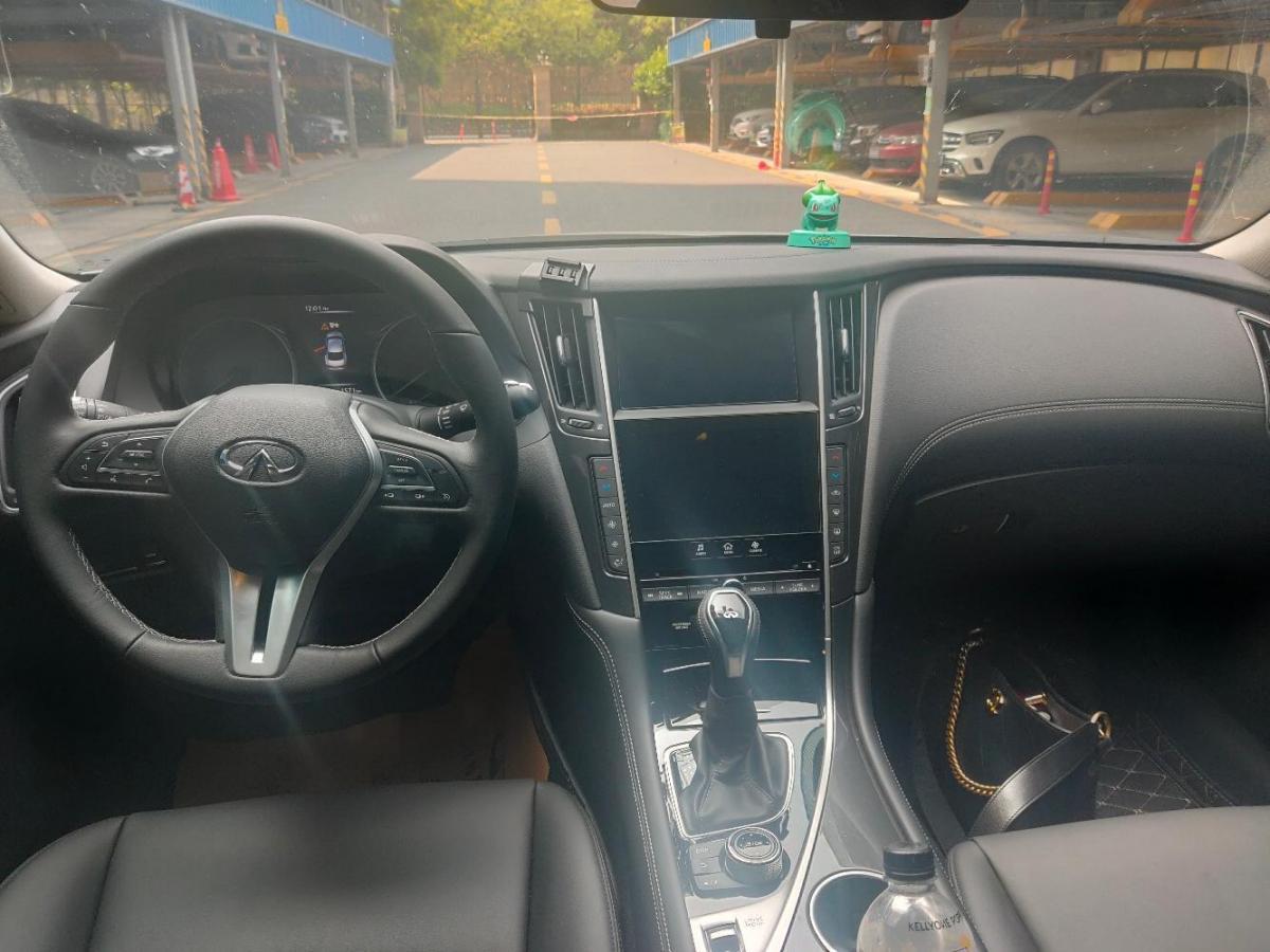 英菲尼迪 Q50L  2018款 2.0T 舒适版图片