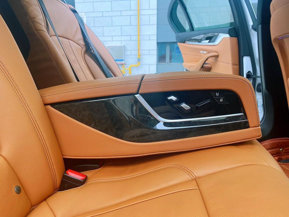 宝马 宝马5系  2018款 530Li 领先型 豪华套装图片