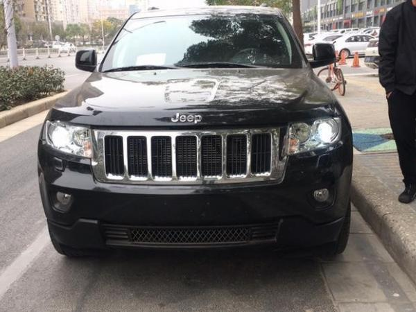 Jeep 大切诺基  2011款 改款 3.6L 周年纪念导航豪华型