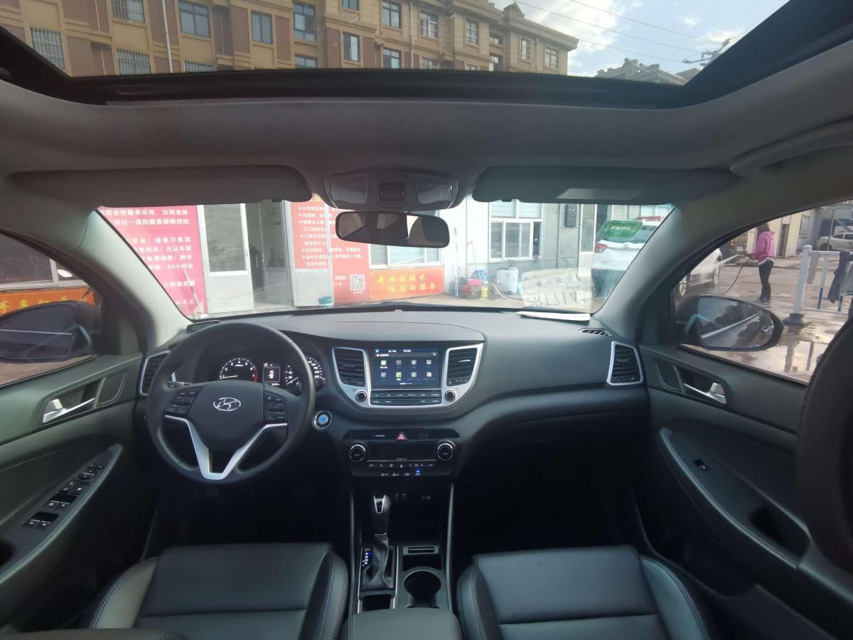 现代 途胜  2015款 1.6T 双离合两驱舒适型图片
