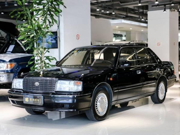 丰田 皇冠1999款 3.0L