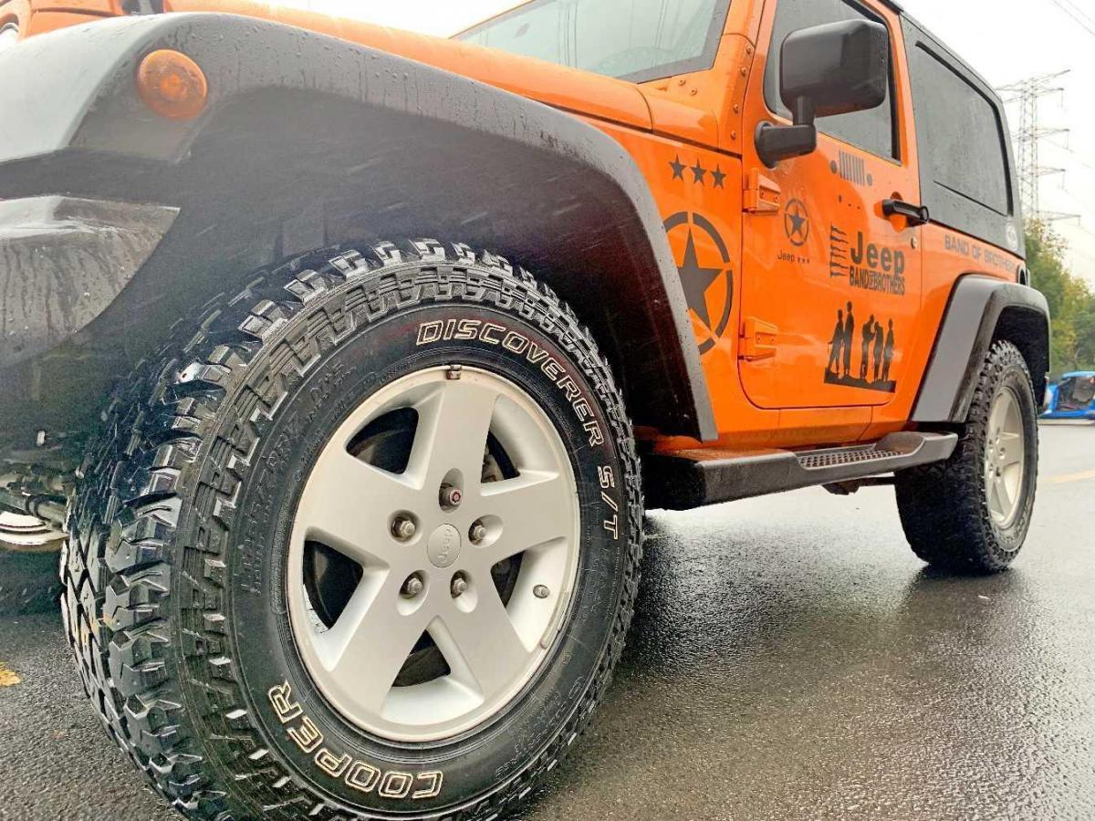 Jeep 牧马人  2010款 3.8L Sahara 两门版图片
