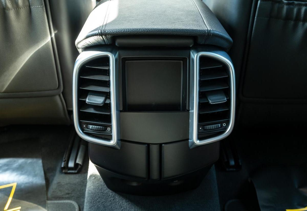 保时捷 Cayenne  2016款 Cayenne Platinum Edition 3.0T图片