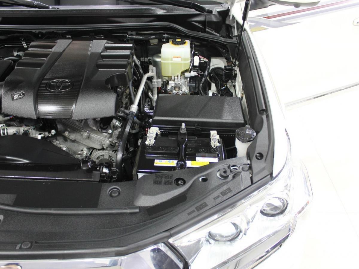 丰田 兰德酷路泽(进口) 2020款 兰德酷路泽 4.0L GX-R 两气 遥启倒影 无大灯清洗(中东)图片