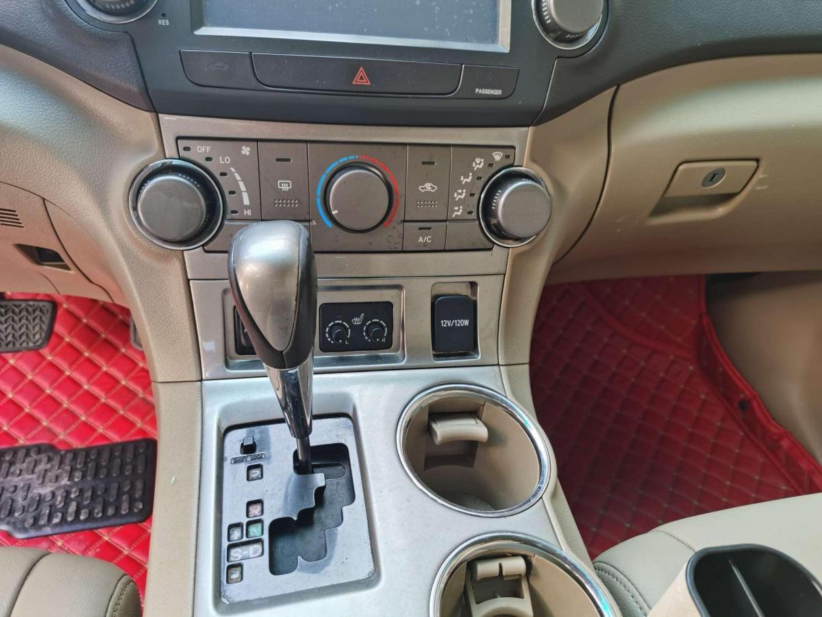 丰田 汉兰达  2011款 2.7L 两驱5座运动版图片