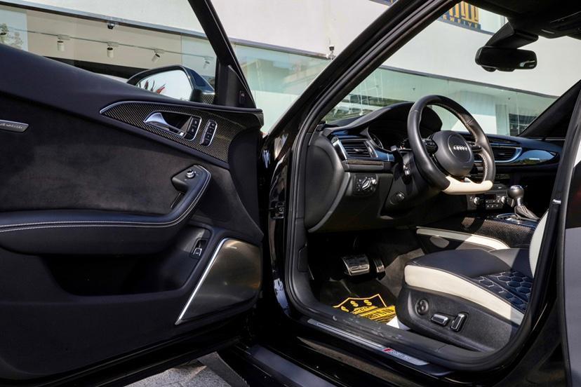 奥迪 奥迪RS 6  2016款 RS 6 4.0T Avant图片
