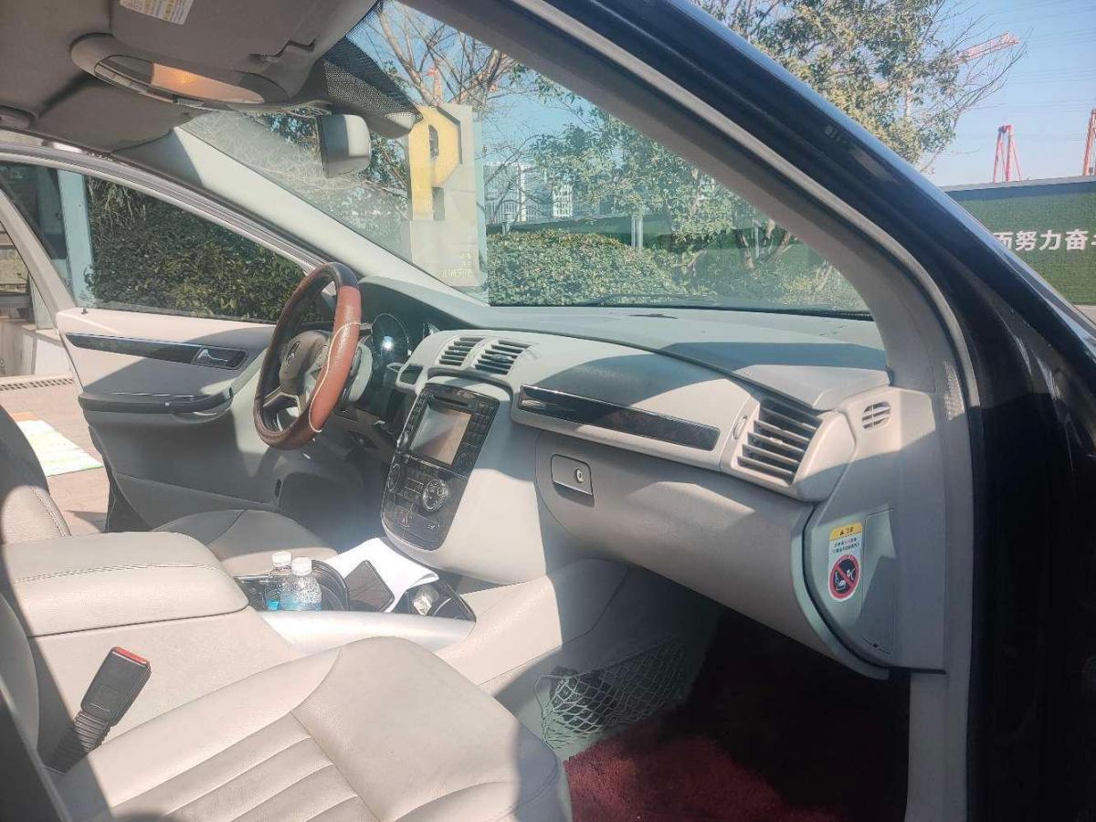 奔驰 奔驰R级  2010款 R 350 L 4MATIC图片