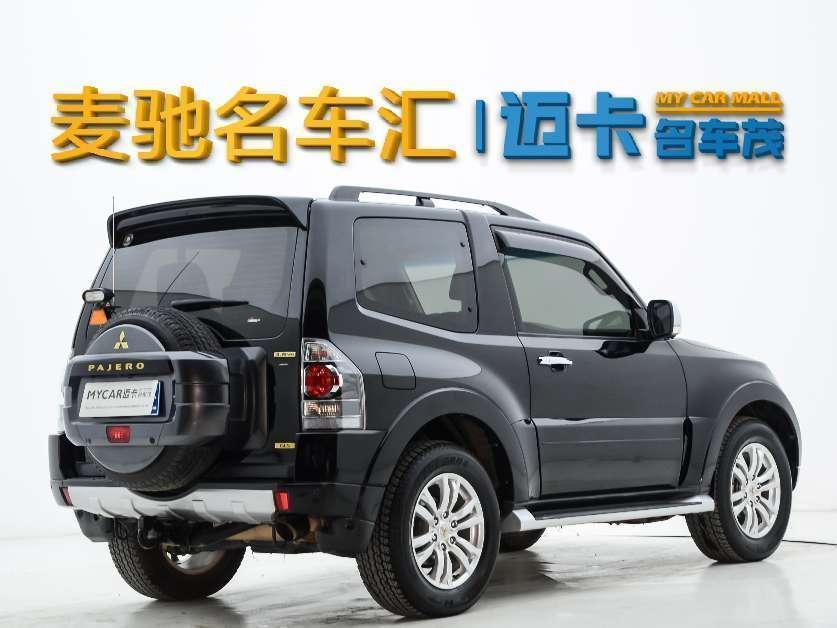 三菱 帕杰罗  2012款 3.8L 三门炫酷版图片