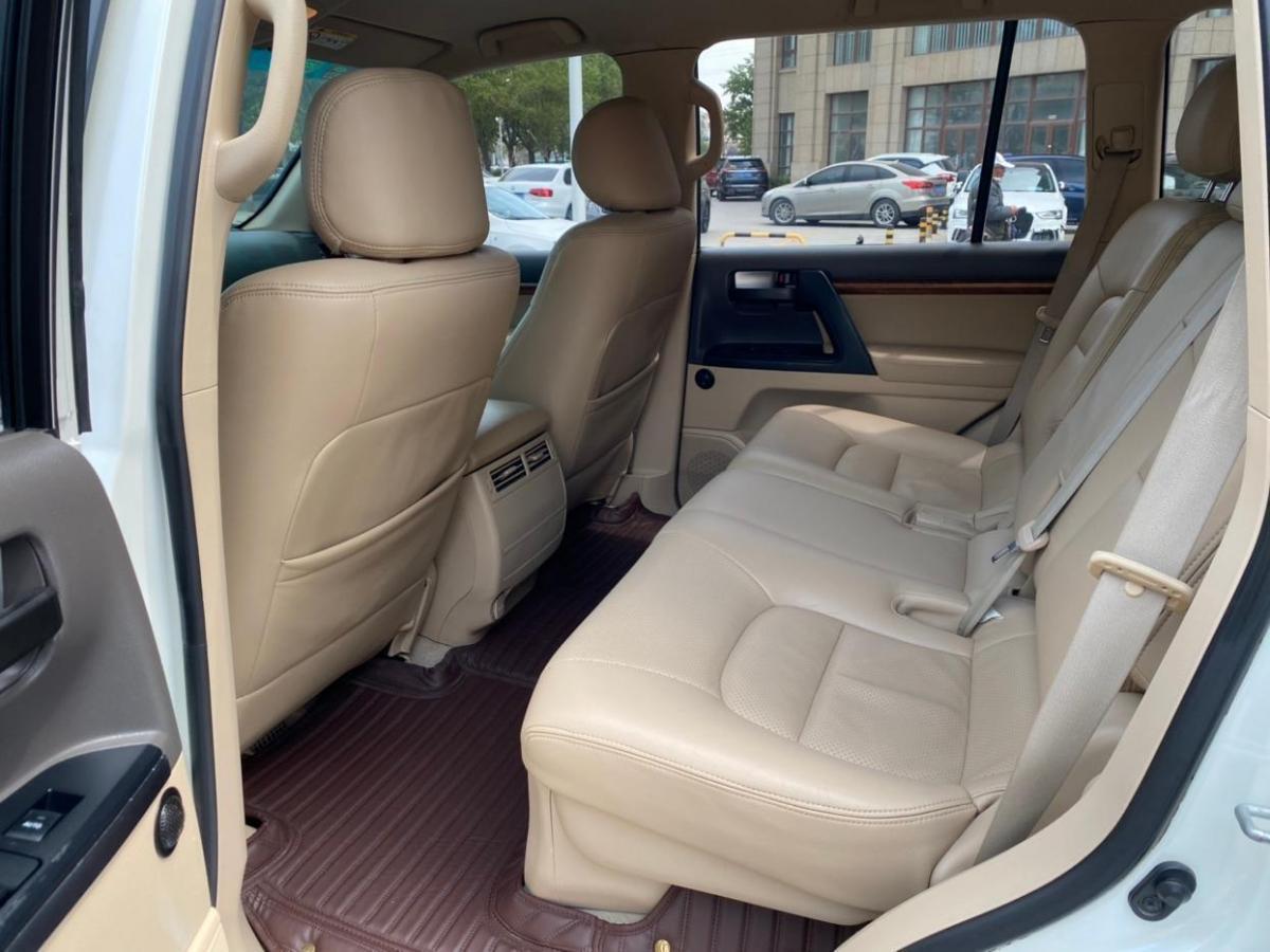 丰田 兰德酷路泽  2015款 4.0L V6 中东低配版图片