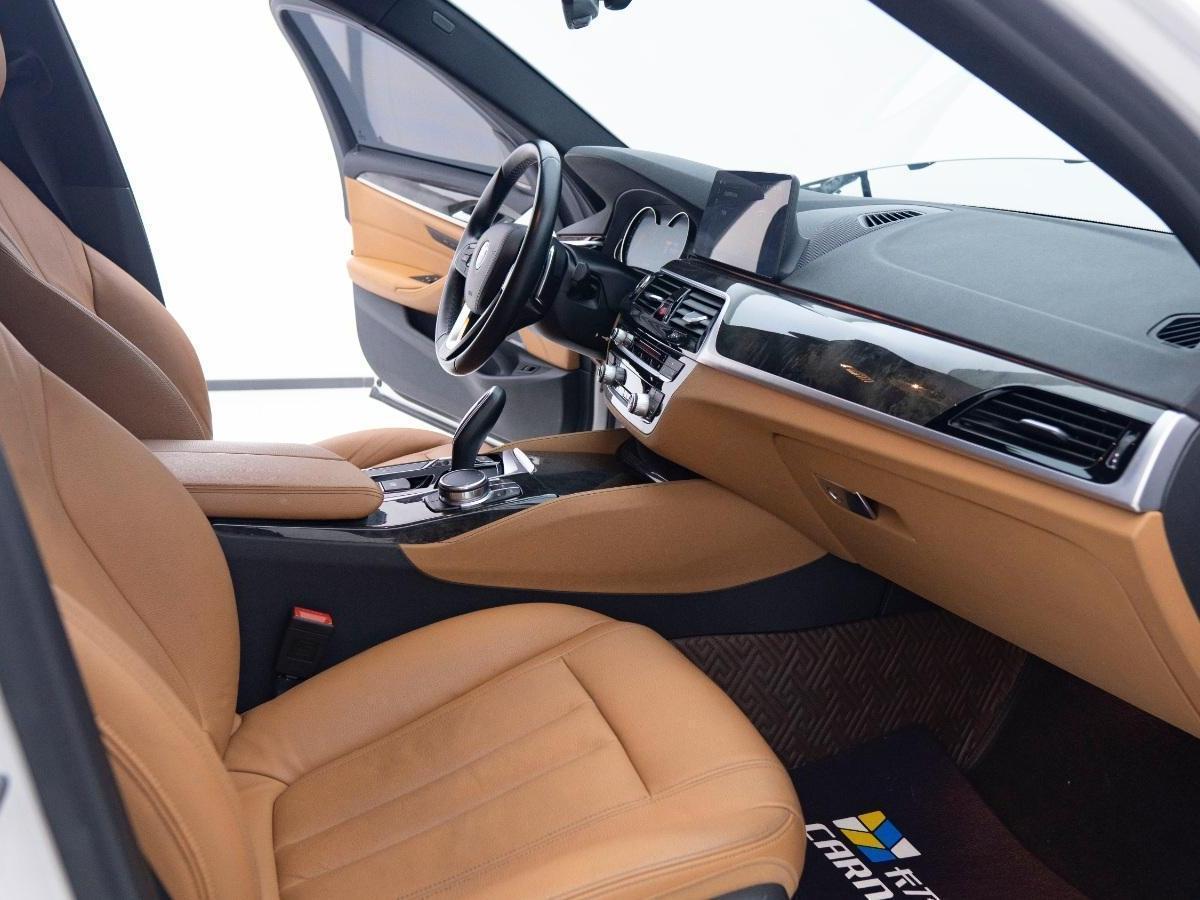 宝马 宝马5系  2018款 530Li 领先型 M运动套装图片
