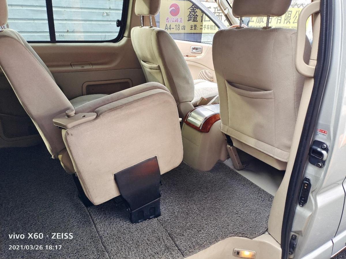 金杯 阁瑞斯  2010款 2.7L-3代 御领豪华型长轴11座2TR图片