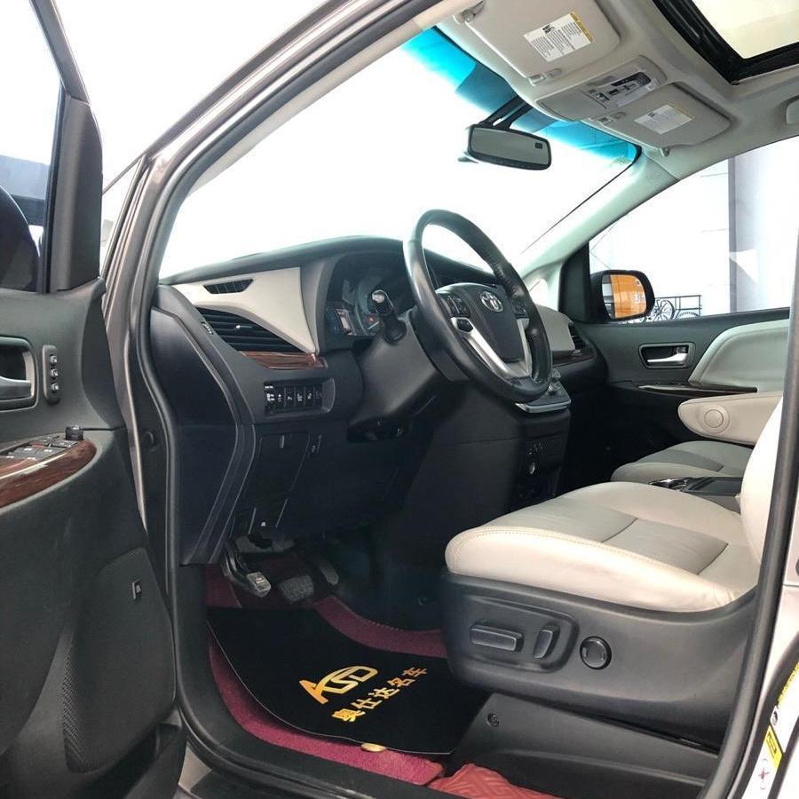 丰田 塞纳  2013款 3.5L 四驱自动型图片