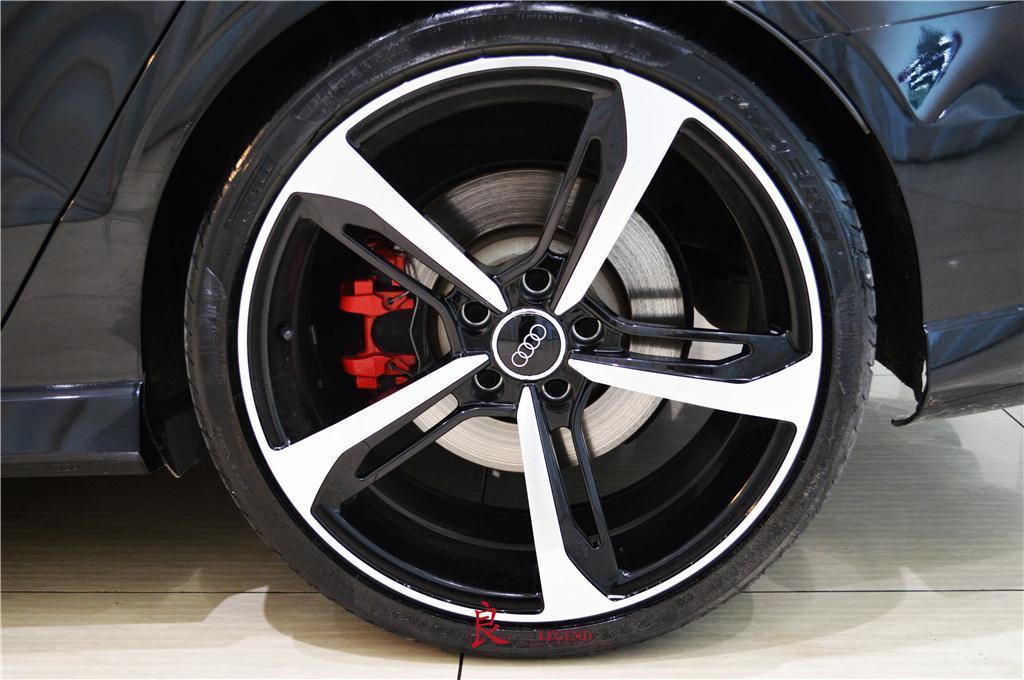 奥迪 奥迪RS 3  2017款 RS 3 2.5T Limousine图片