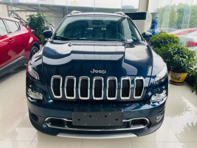 Jeep 自由光  2020款 2.0L 兩驅經典運動版