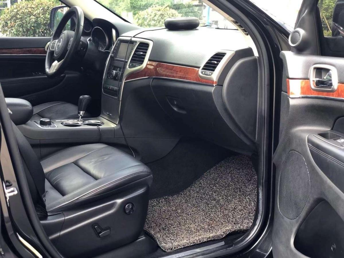 Jeep 大切诺基  2013款 3.6L 舒适版图片
