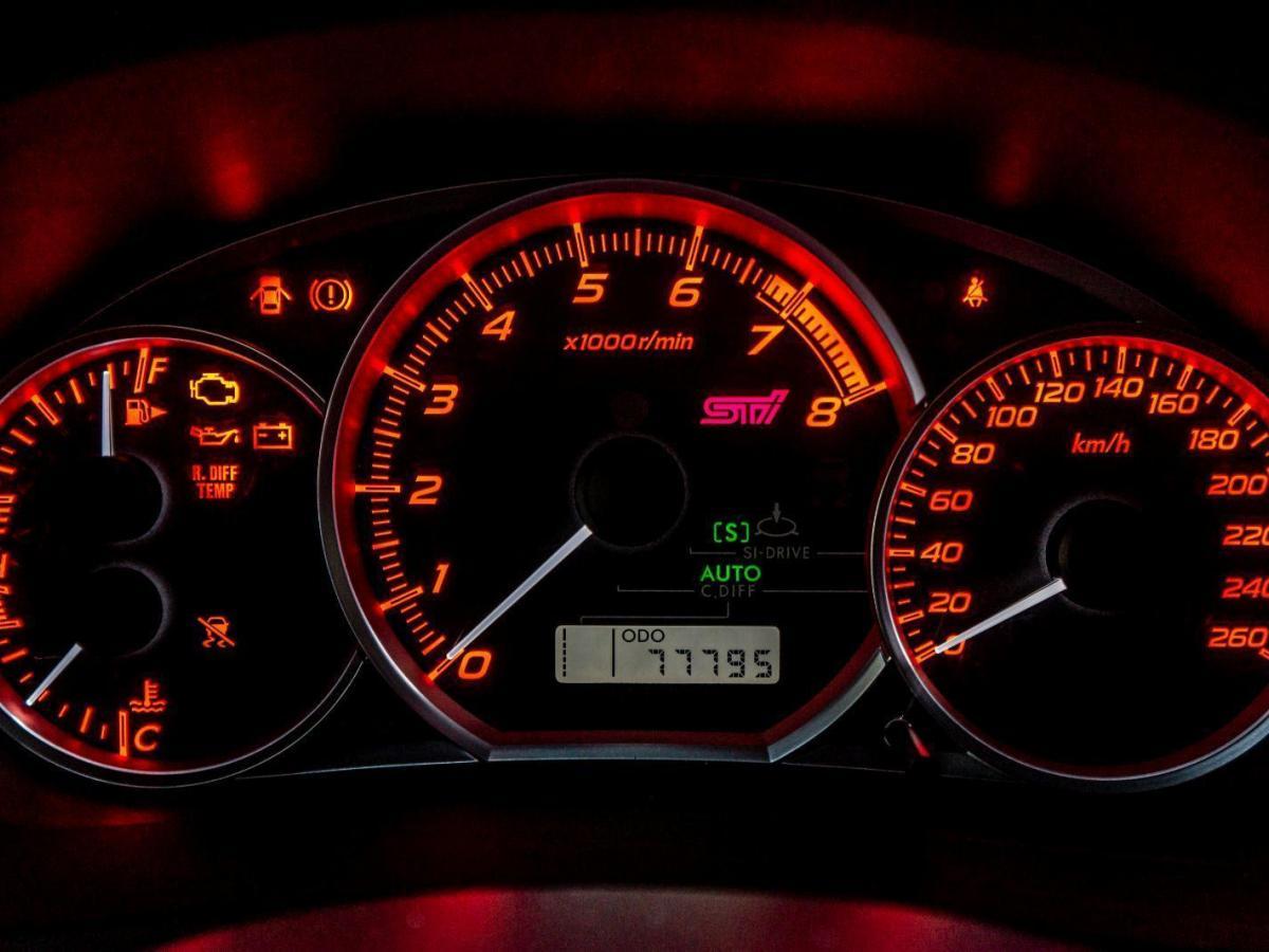 斯巴鲁 翼豹  2011款 2.5T WRX STi三厢图片