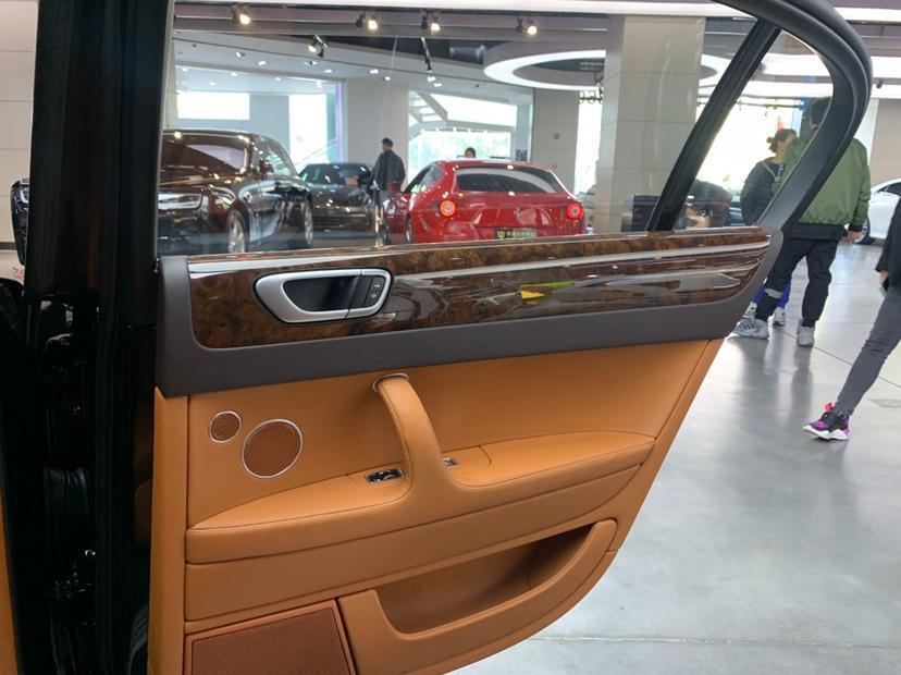宾利 飞驰  2010款 6.0T 五座版图片