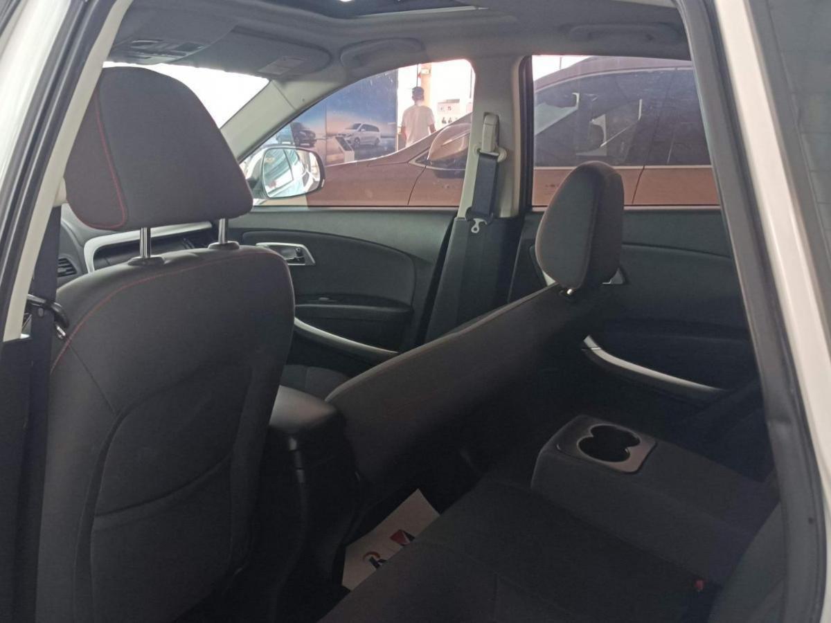奔腾 X80  2013款 2.0L 自动舒适型图片