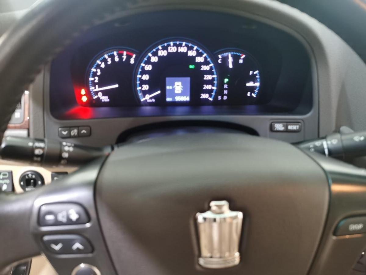 丰田 皇冠  2012款 2.5L Royal 真皮版图片